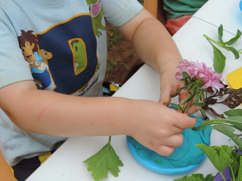 Sensory Fine Motor Florist Fun for all ages...includes links to EYLF. Mummy Musings and Mayhem