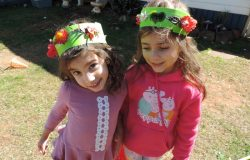 Crowns from Nature – Mess Free Sensory Fun