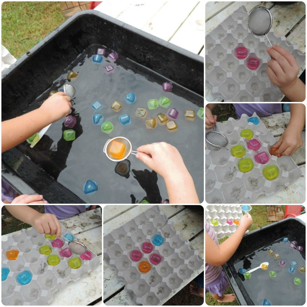 Outdoor Play Series - #1 Working with small yard spaces, tips for creating engaging outdoor play spaces even if you only have a small area to work with. Get your fact sheet at Mummy Musings and Mayhem