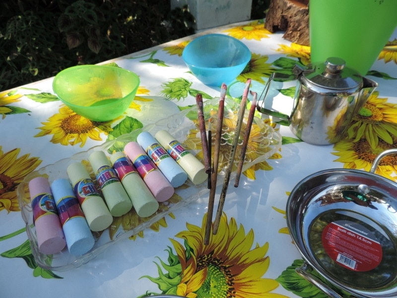 Children will love being involved in the process of making their own chalk paint to use for painting and play. Simple & budget friendly activity for early years educators, homeschoolers and parents - see how here!