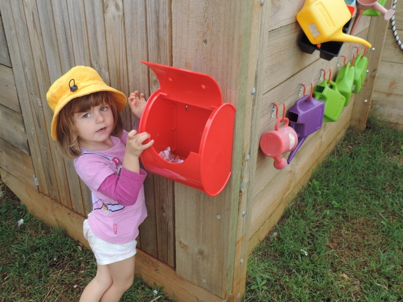 If you are stuck for imaginary play ideas browse this huge list of prop box suggestions to help you invite & setup dramatic play opportunities for children! A fantastic resource for early childhood educators, teachers and homeschool.