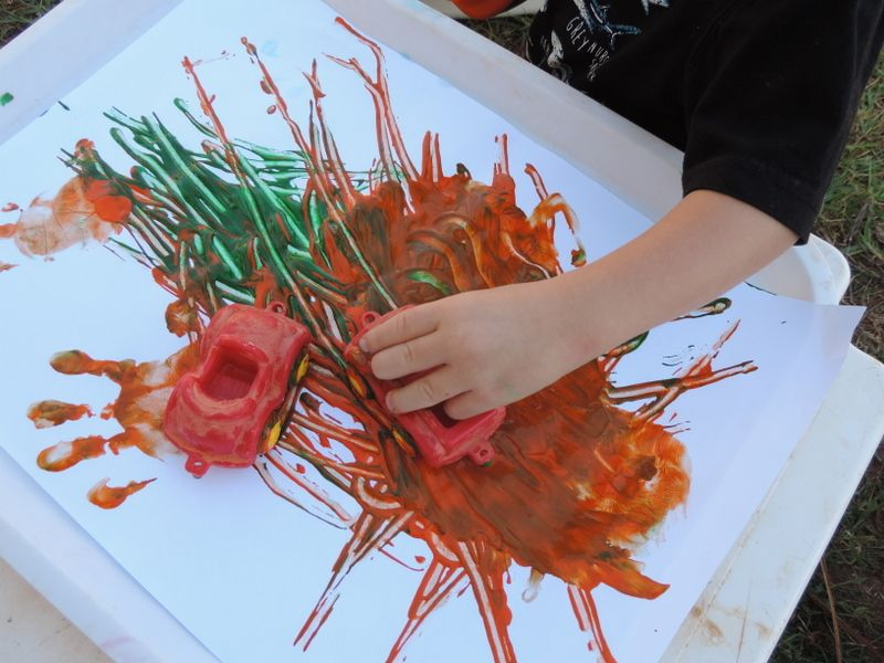 Children love to express their creativity with simple painting activities.  Ignite interest & exploration with these easy ideas & recipes!