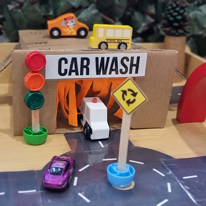 Car wash small world play